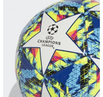 UCL Finale Capitano Ball
