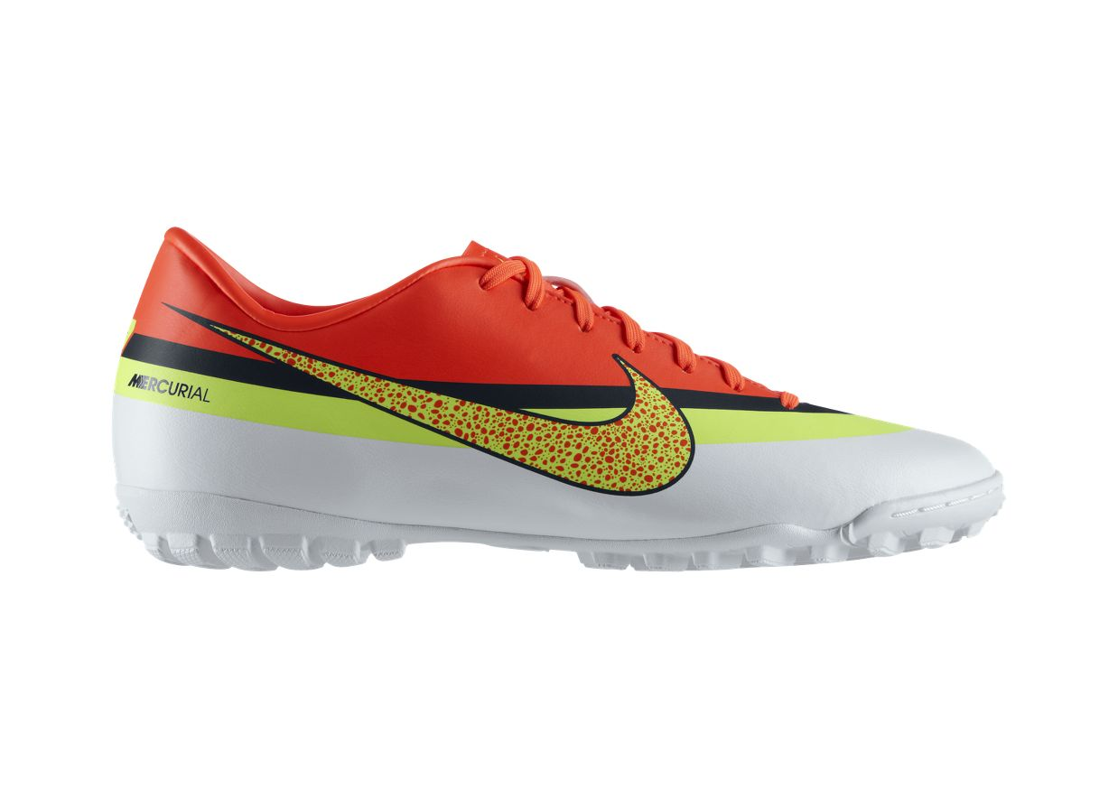 boots nike mercurial victory iv cr tf was sold for r849. Black Bedroom Furniture Sets. Home Design Ideas